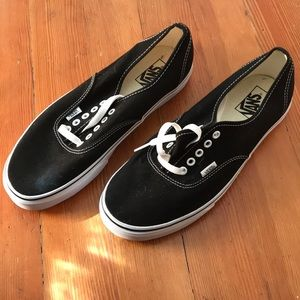 """Vans """"off the wall"""" lace up"""